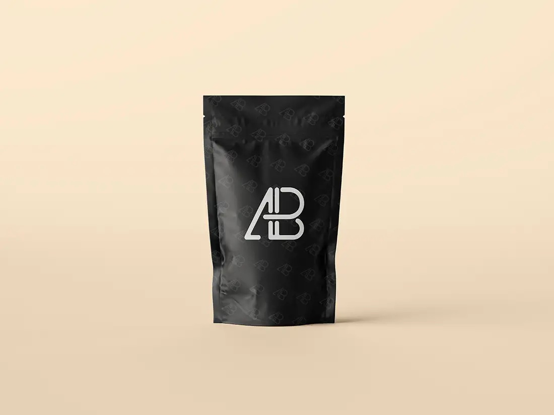 Free Pouch Bag Packaging PSD Mockup